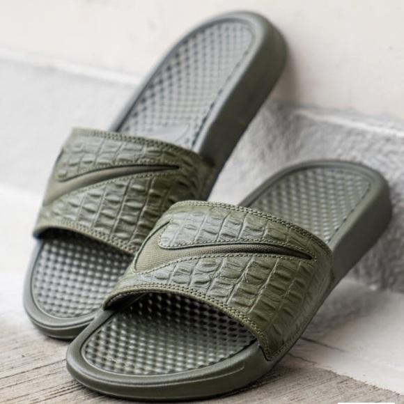 Garantizar Aturdir ecuador  Nike Shoes | Nike Benassi Slides | Poshmark